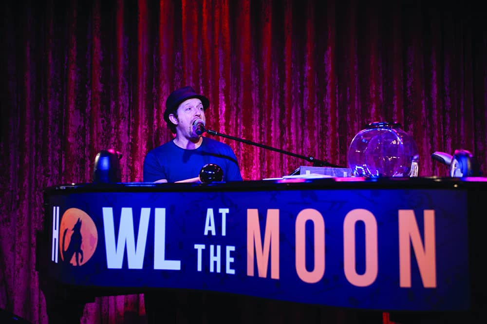 Howl at the Moon on Norwegian Cruise Line México Ships