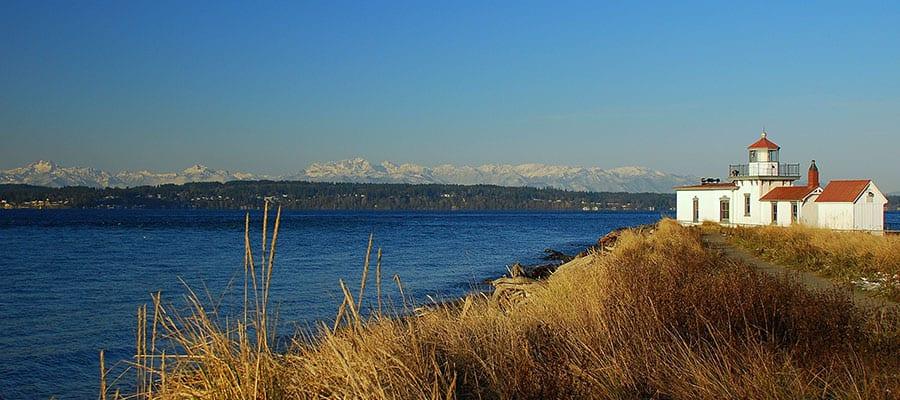 Visita el faro Discovery Park en Seattle durante tu crucero